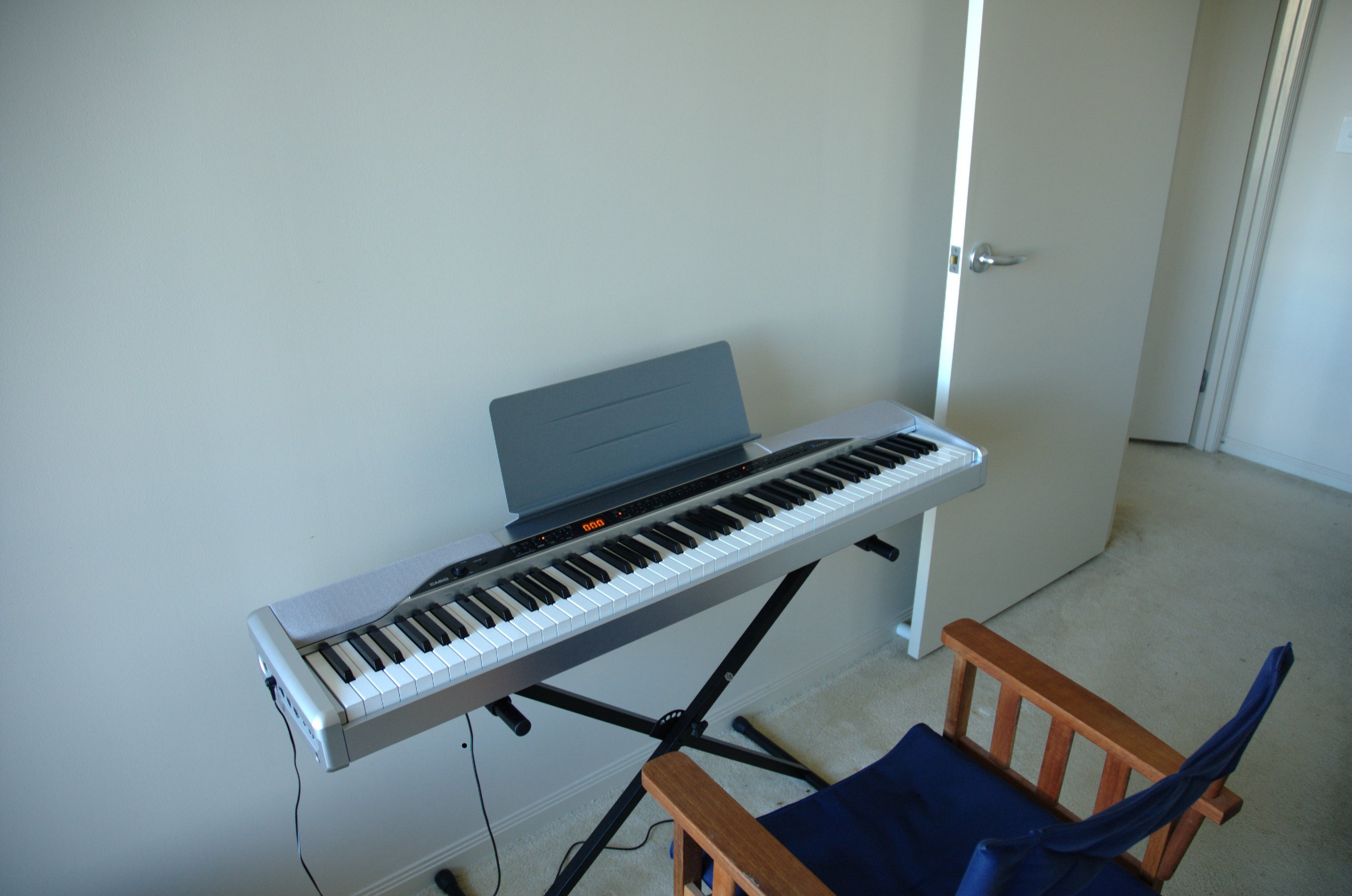 choosing a digital piano tips from personal experience portland piano lab. Black Bedroom Furniture Sets. Home Design Ideas